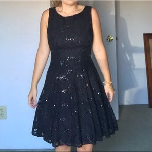 SALE💛Black w/lace homecoming/formal/prom dress